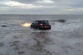 car sinking2